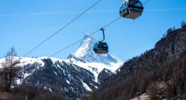 Matterhorn-gondola-shutterstock_1104886571