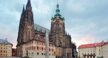 Praga-Hradčani-shutterstock_218554027