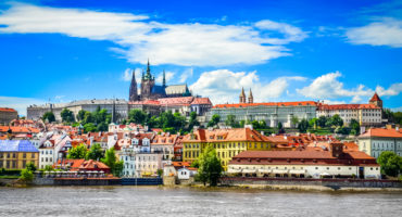 Praga-shutterstock_173388260