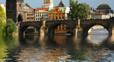 Praga-shutterstock_17521744