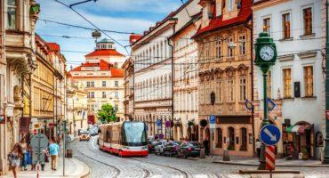 Praga-shutterstock_662349547