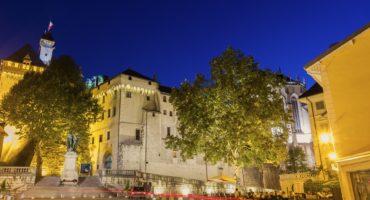 Chambery-Savoja-Francija-shutterstock_306247094